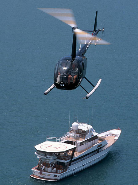 R44-Yacht-Helipad-Takeoff